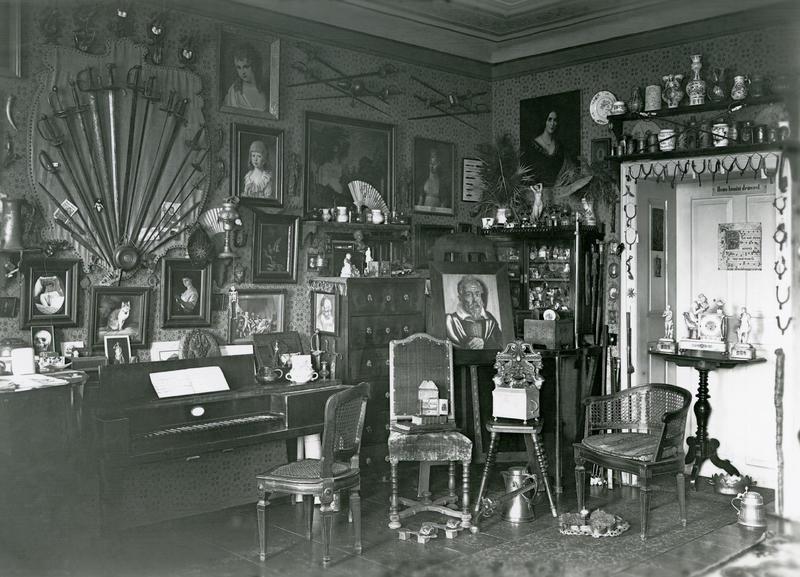 Einblick in die Wohnung von Anton Maximilian Pachinger in der Linzer Bethlehemstra%c3%9fe um 1900_