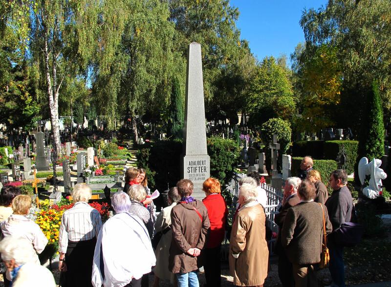 Führung der austriaguides beim Stifter-Grab