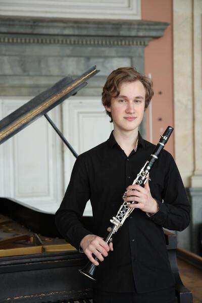 Lev Zhuravskij%c2%a9Haus_der_Musik_St_Petersburg (3)_sm