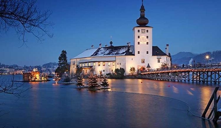 Schloss-Ort-Advent-800