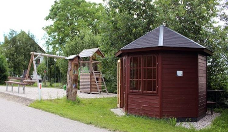 Bücherpavillon & Spielplatz. (© Innviertel Tourismus)