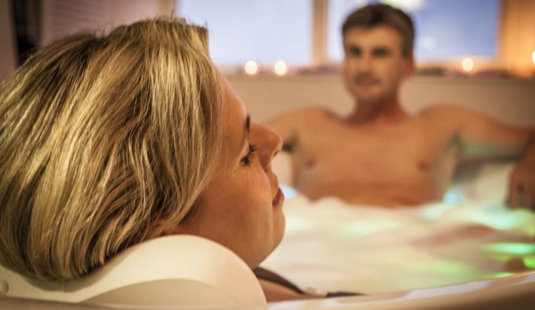 Wellnessanwendungen im Narzissen Vital Resort Bad Aussee.