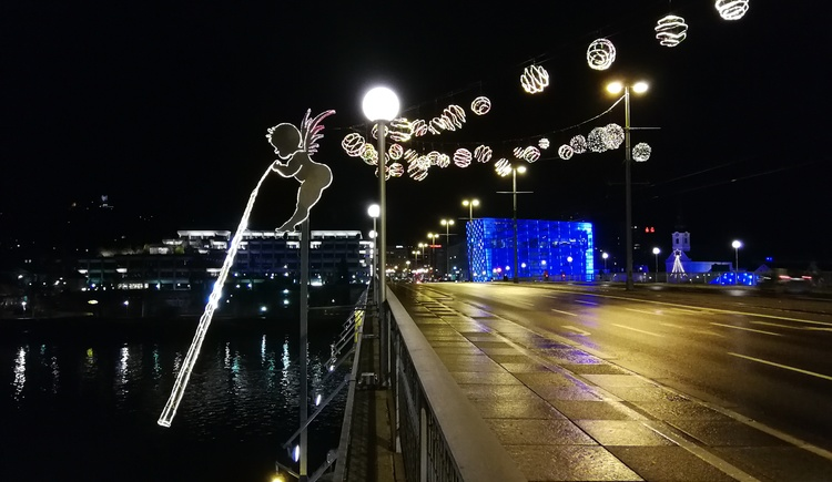 Advent in Linz / Engel Nibelungenbrücke (© Linz Tourismus)
