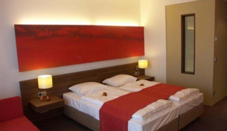 Zimmer - Thema Feuer (© Hotel Lebensquell Bad Zell)