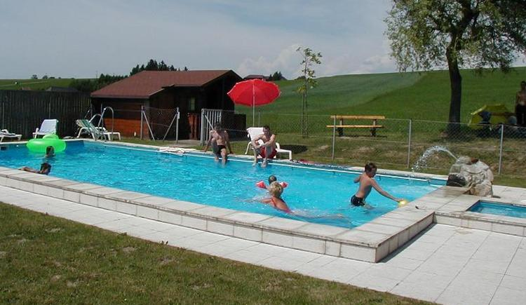 Schwimmbad (© Privat)