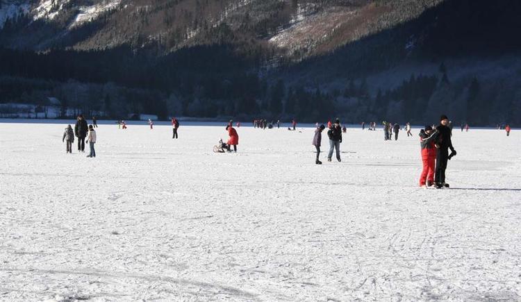 Eislaufen (© Tourismusbüro Ebensee)