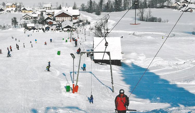Schlepplift, Schifahrer, Schnee.