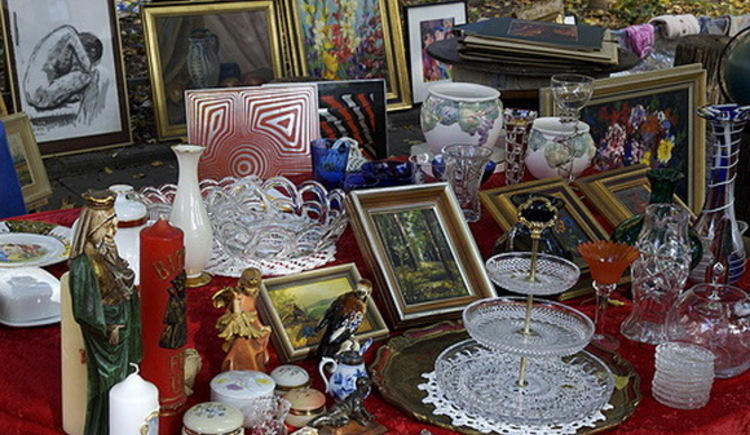From April 6th onwards, the flea market of the Upper Austrian Civil Association will take place twice a week on Friday.