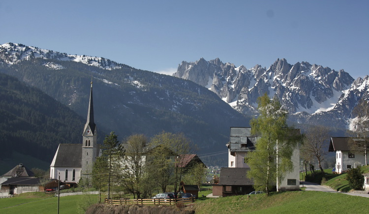 From the Catholic church you have a free view on the mountain range \