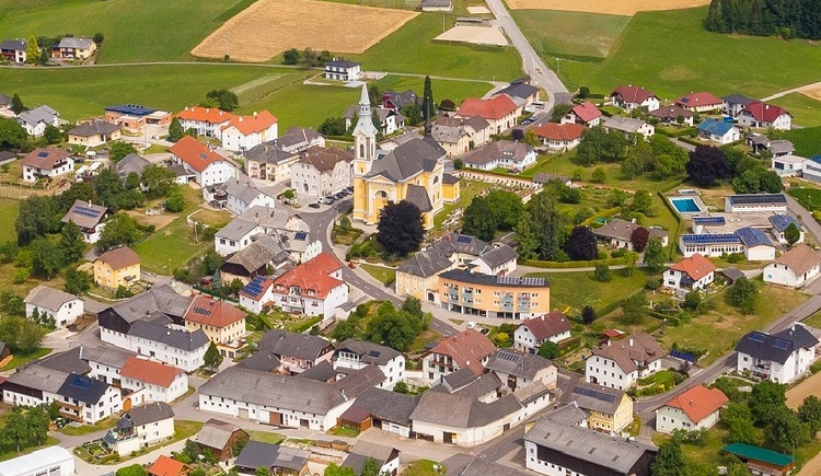 Ortsbild Luftaufnahme. (© Lindorfer)