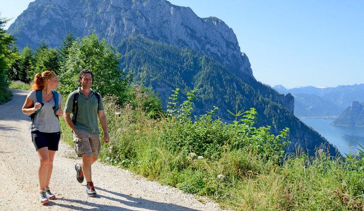 Wanderung rund um den Traunstein - Blick auf Traunstein und Traunsee