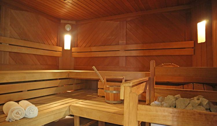 Was gibt es schöneres als nach einem langen Skitag in die wohlige Wärme in eine unserer 3 Saunen einzutauchen? (© Hotel Sommerhof e. U.)
