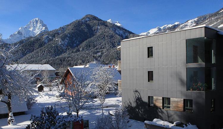 Blick von der Talabfahrt auf Hotel-Garni-Wallner (© Wallner)