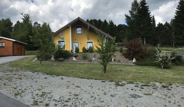 Haus mit Bepflanzung (© Privat)