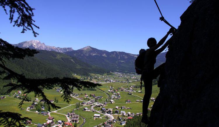 Klettersteig beim Stausee in Gosau. (© Laserer alpin)