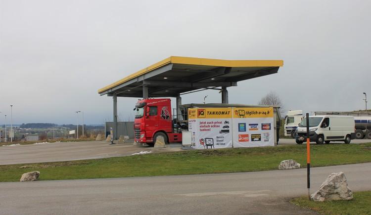 0-24h Tanken IQ Stieglechner, Abfahrt direkt an der A1 Westautobhan St. Georgen im Attergau.