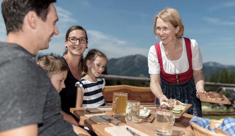 Wanderjause (© Oberösterreich Tourismus GmbH/Patrick Langwallner)