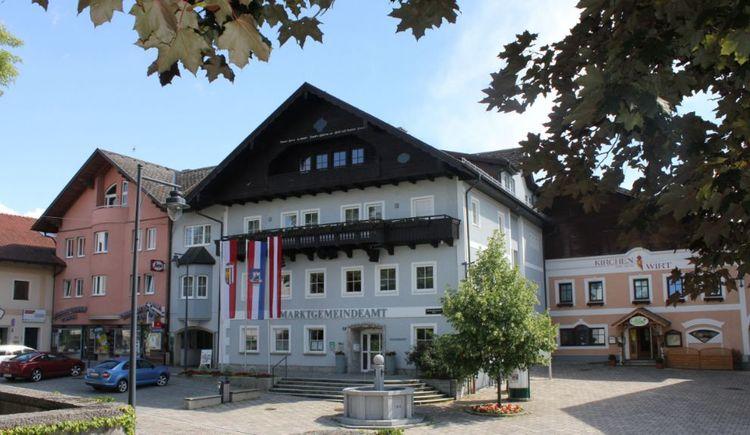 Foto zeigt die Gemeinde St. Georgen im Attergau im Salzkammergut. (© TVB Attersee-Attergau/Simone Süß)
