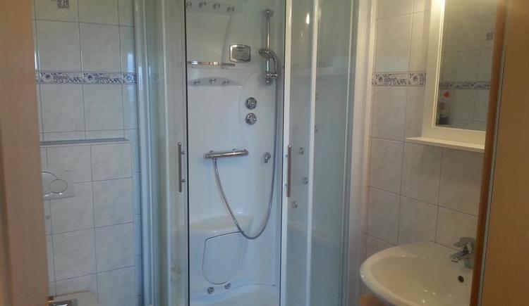 Dusche mit WC Ansicht 1