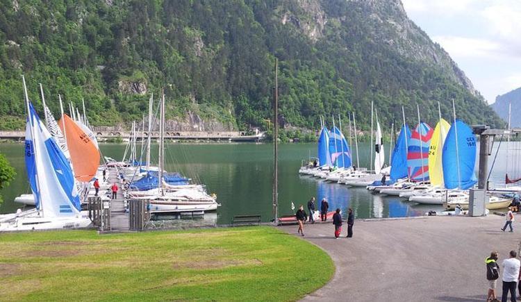 Blick auf die beiden Steganlagen (© Tourismusbüro Ebensee, Spengler)