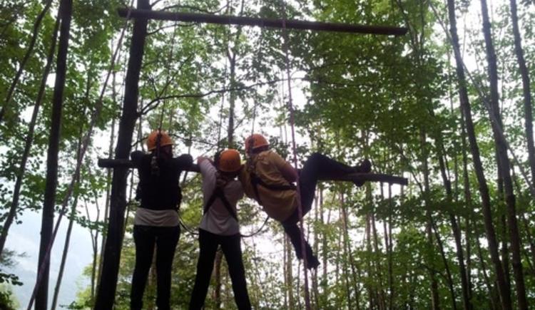 Giant Ladder (© Abenteuer Management)