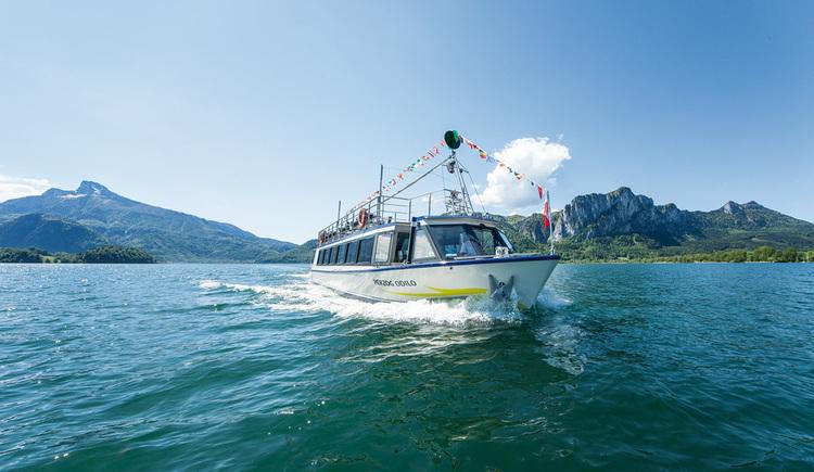 Ship on the lake. (© Schifffahrt Hemetsberger)