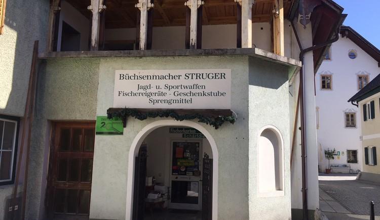 Sechste Station das ehemalige Gasthaus Wartburg - heutiges Büchsenmachergeschäft Struger in der Kirchengasse