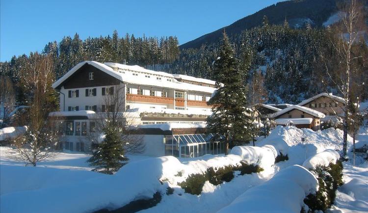 Hotel im Winter (© Stoderhof)