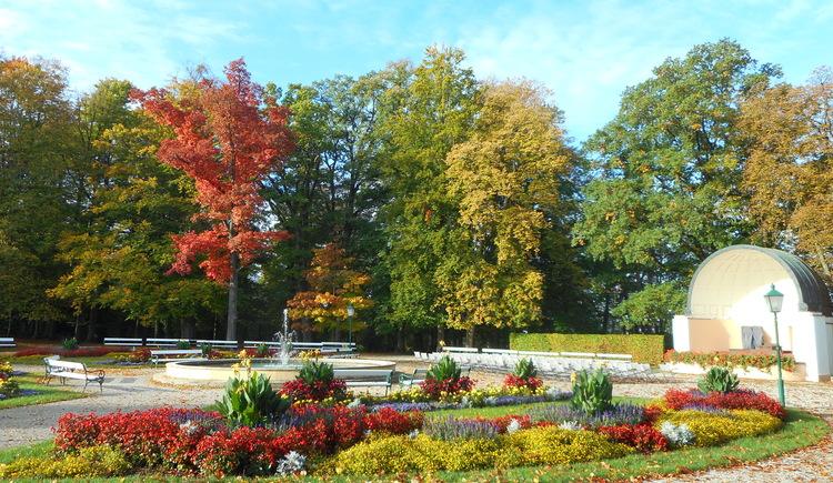 Herbstliche Stimmung im Kurpark von Bad Hall. (© TVB Bad Hall-Kremsmünster_Hoeller)