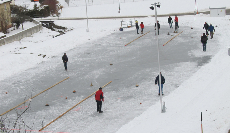 Winter_Aktivit%c3%a4t_Stockschie%c3%9fen_Pierbach (2) (© Gemeinde Pierbach)