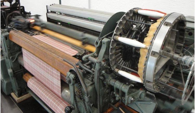 Moderner Webstuhl (© Textiles Zentrum Haslach)