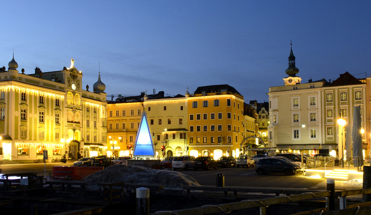 Weihnachtsstimmung Rathausplatz (© Region Traunsee Almtal/brainpark.traunsee)