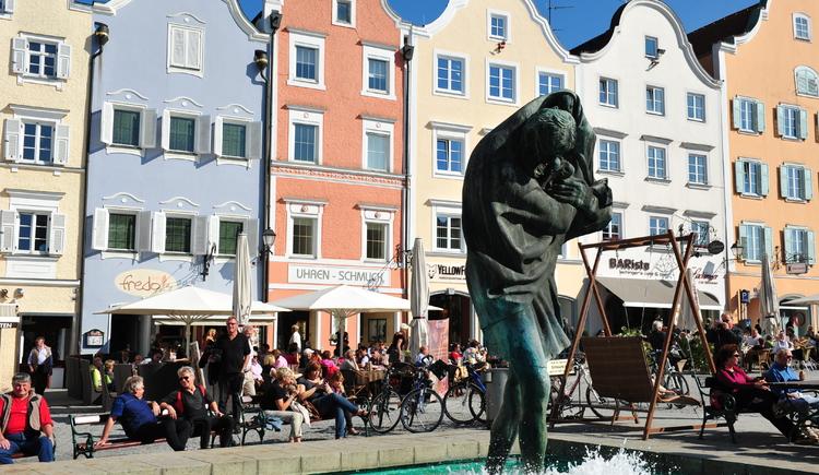 Silberzeile mit Brunnen (© Schärding Tourismus)