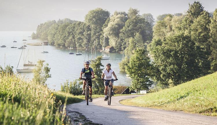 TD-Mybike-Attersee-Oberoesterreich-Tourismus-Gmbh_Moritz-Ablinger (© Oberösterreich Tourismus GmbH, Moritz Ablinger)