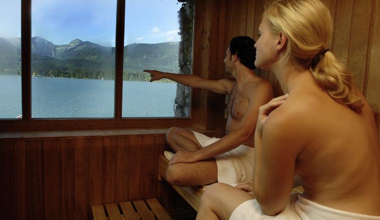 Finnische Sauna mit Blick auf den See