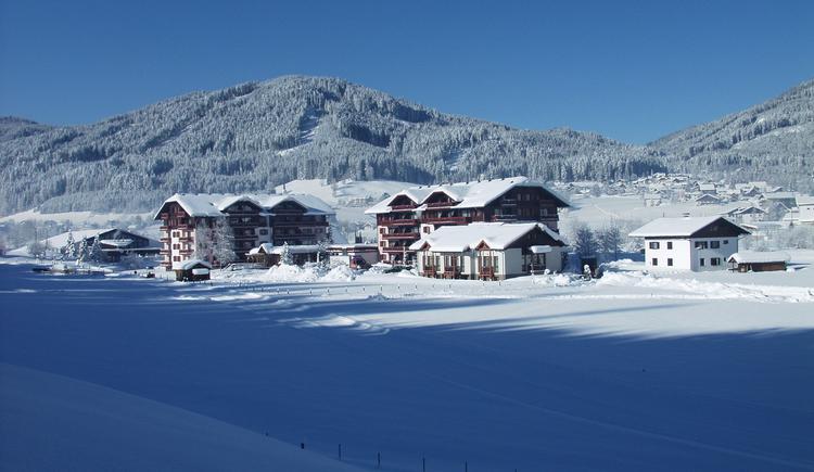 Vitalhotel Gosau gekleidet in Schnee. (© Vitalhotel Gosau)
