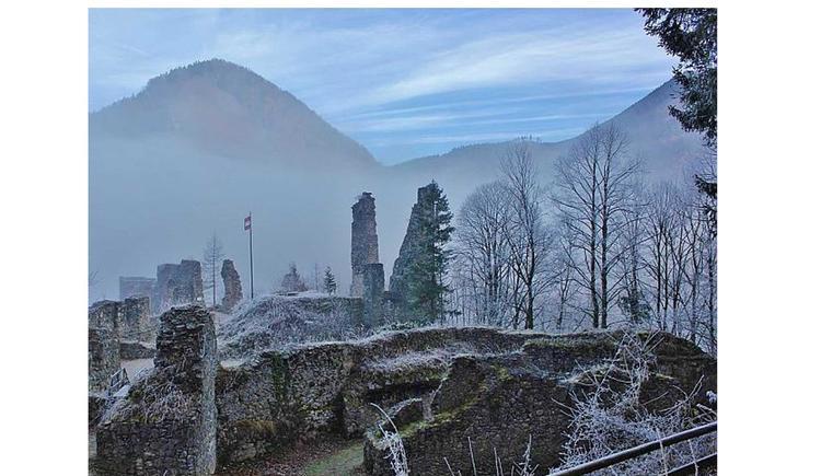 Ruine Scharnstein im Winter (© singlewandern.at)