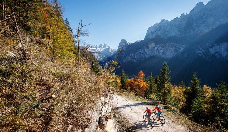 Ein Abstecher auf der Mountainbike Tour zum Gosausee samt Dachstein lohnt sich immer.