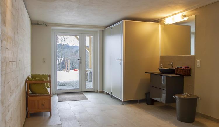 Eingang zum Trockenraum (© by Gästehaus