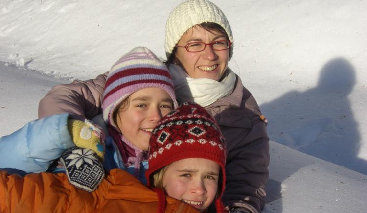 Familie im Schnee. (© Fam. Winklhofer)
