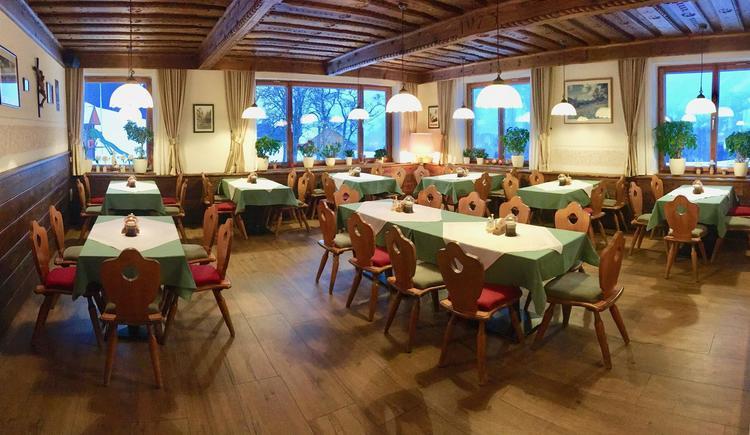 zwei Gaststuben im Haus (© Berghof Sturmgut)