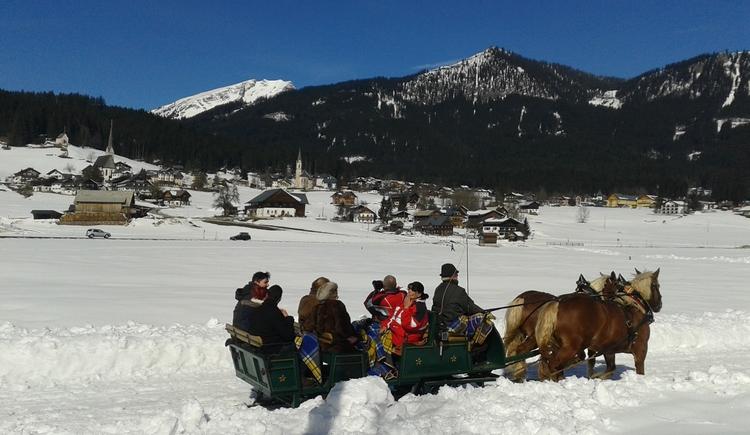 Schlittenfahrt im Winter durch Obertraun, Bad Ischl, Gosau, überall wo Sie mögen
