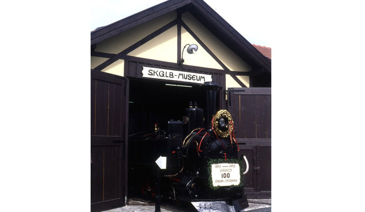 Lokomotive im Salzkammergut Lokalbahn Museum. (© www.mondsee.at)