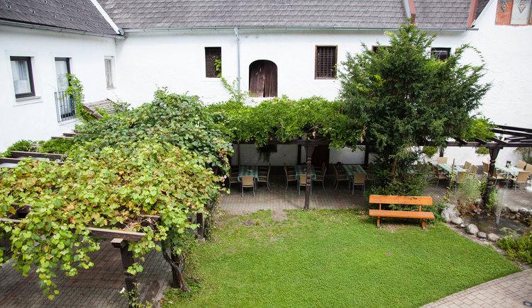 Innenhof. (© Fam. Aglas)