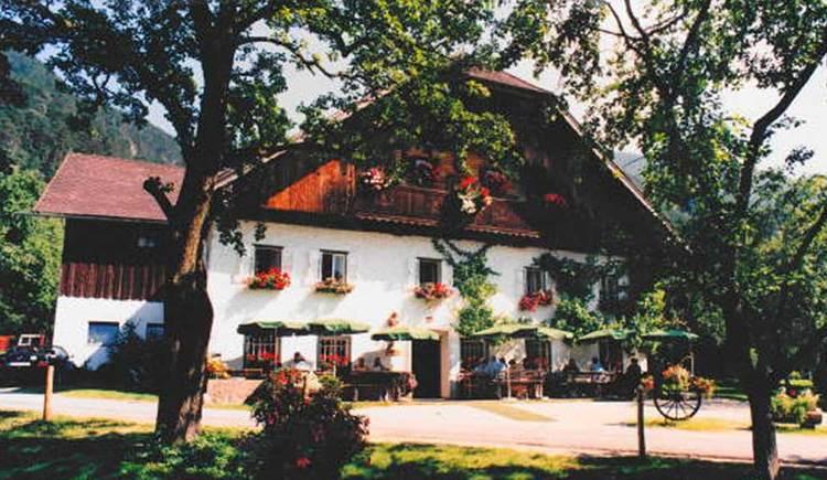 Blick auf die Jausenstation Holzingerbauer. (© www.mondsee.at)