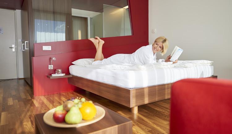 Relaxen am Zimmer im Spa Hotel Bründl. (© OÖ_Tourismus_Bildstadt_für Spa Hotel Bründl)