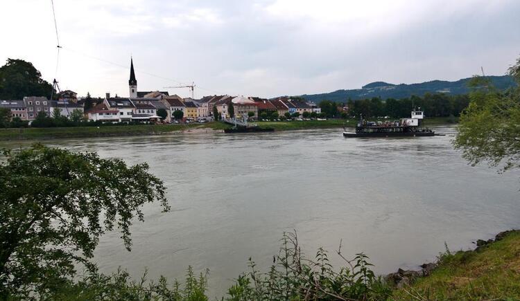 Donaufähre Wilhering-Ottensheim (© WGD Donau Oberösterreich Tourismus GmbH/Kranzmayr)