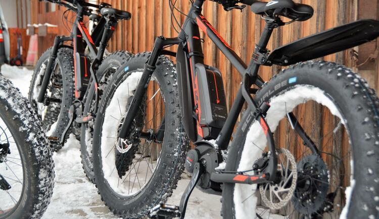 Fatbiken im Winter (© E-Mobility)