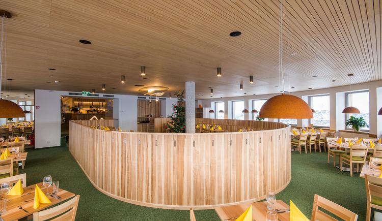 Das Restaurant lädt zum Verweilen ein. (© Dachstein Tourismus AG)