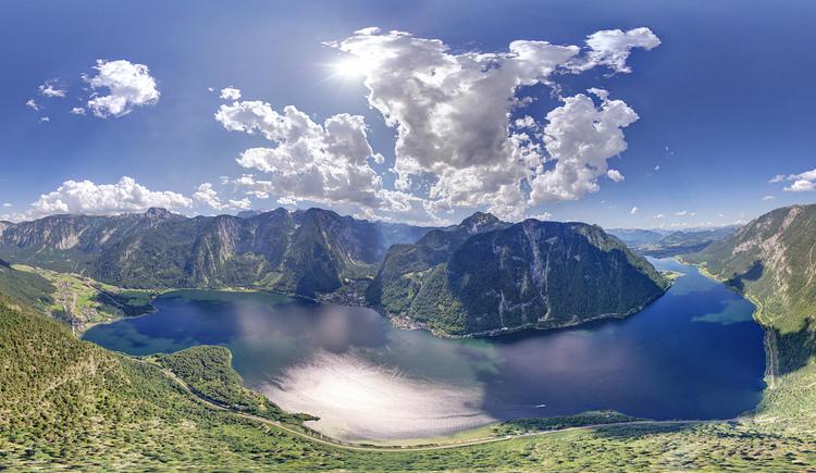 Der Mittelpunkt der Welterberegion ist der Hallstättersee, umgeben von den Orten Bad Goisern, Hallstatt und Obertraun. (© Sven Posch / www.viewnect.com)